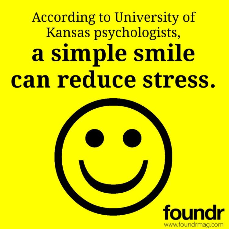 sourire pour réduire le stress